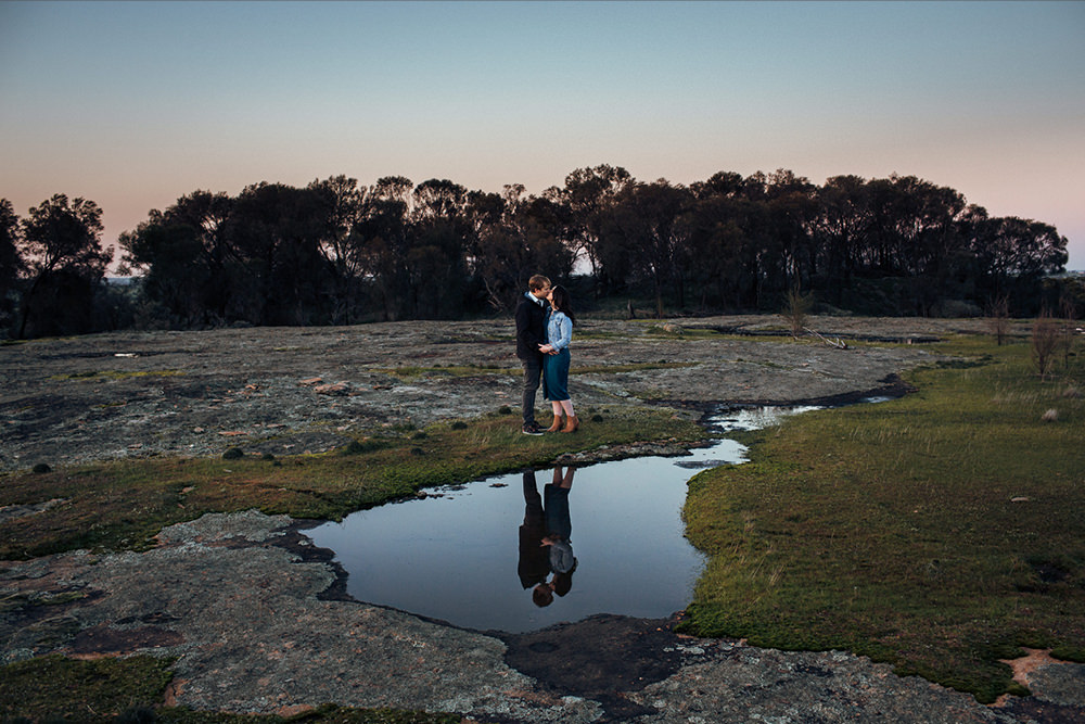 perth-country-farm-portraits-natural-candid-engagement16