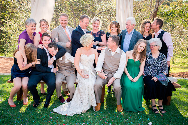 wedding-fun-family-group-photo-iheartweddings
