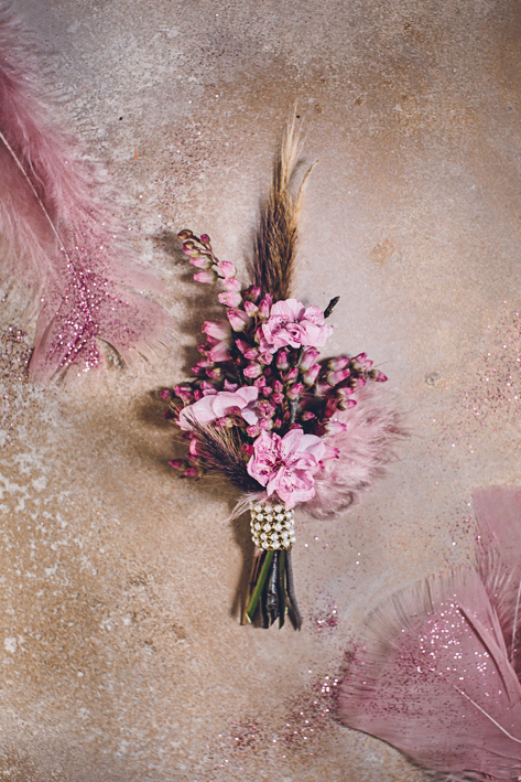weareallstardust-buttonhole-wedding-theme-inspo-1