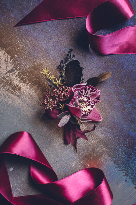 weareallstardust-buttonhole-wedding-theme-inspo-2