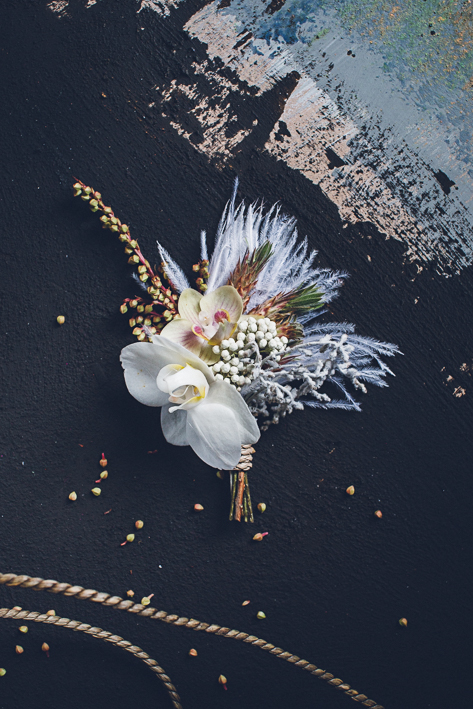 weareallstardust-buttonhole-wedding-theme-inspo-7